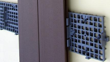 Listelli per montaggio doghe da esterni - Listoni in legno per esterni ...